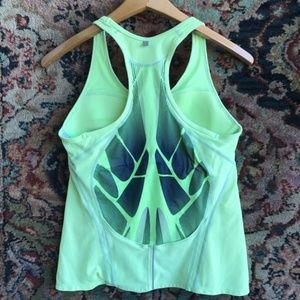 Nike Graphic Racerback Workout Active Tank